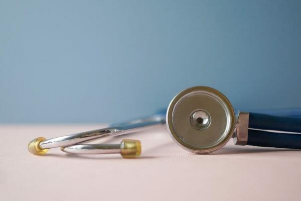 Contrôle médical et covid-19 compatibles